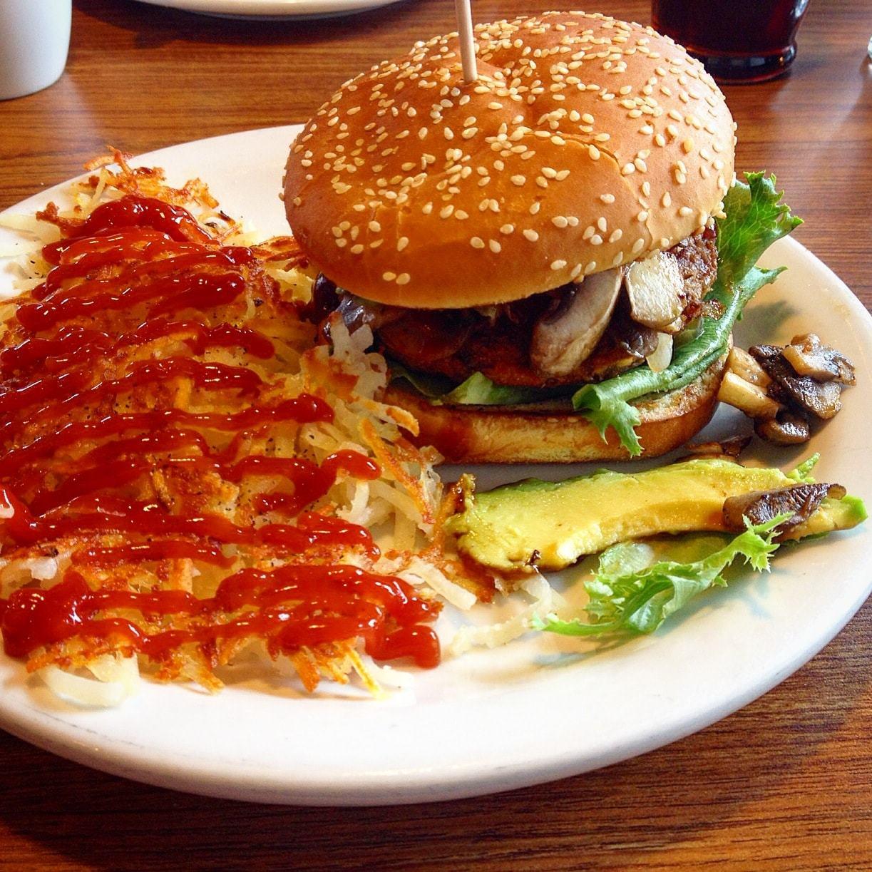 dennys-amys-burger