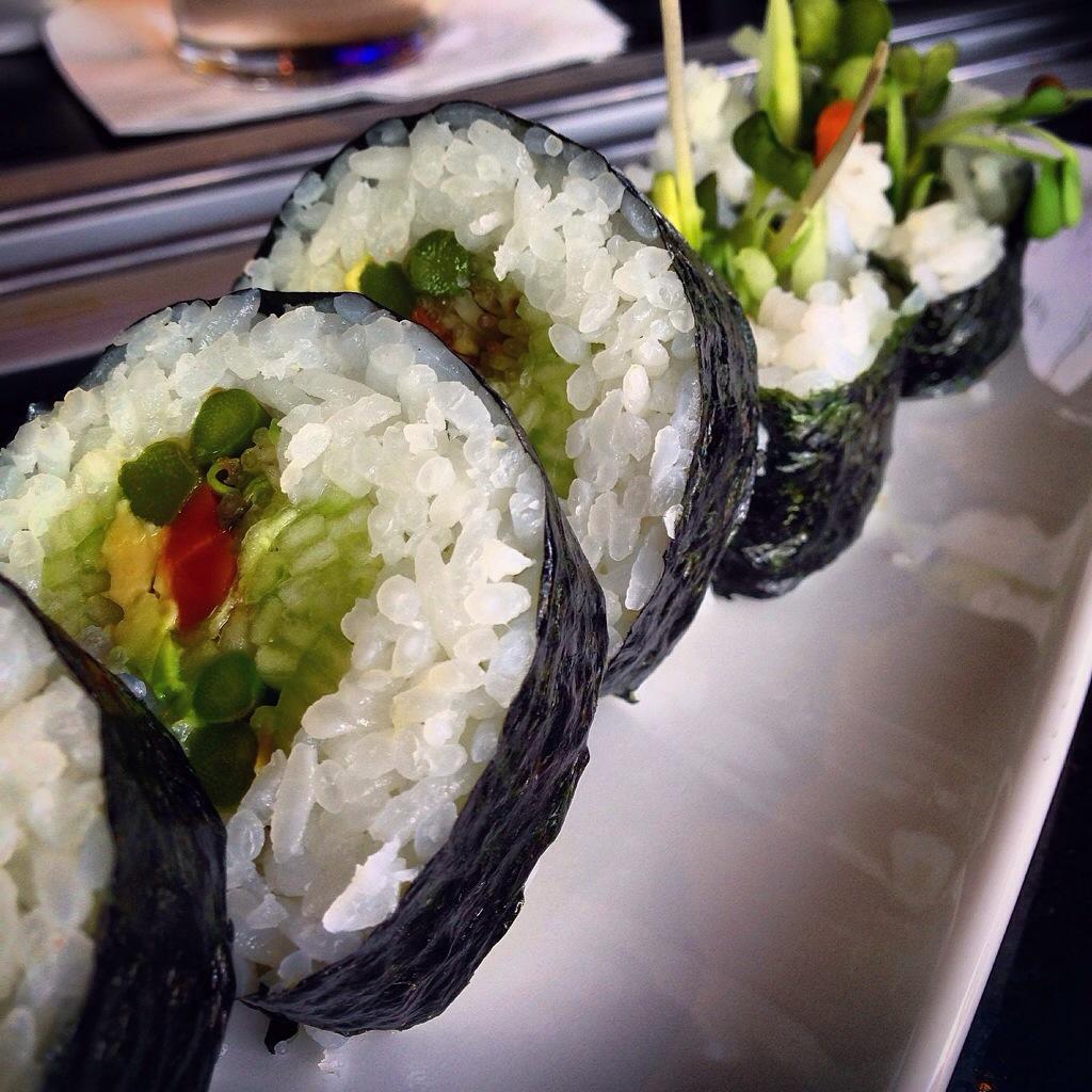 kona grill sushi
